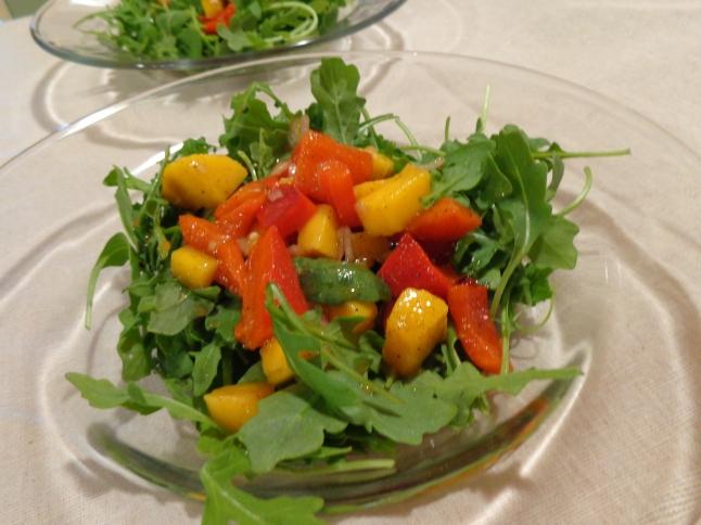 Mango red pepper salad